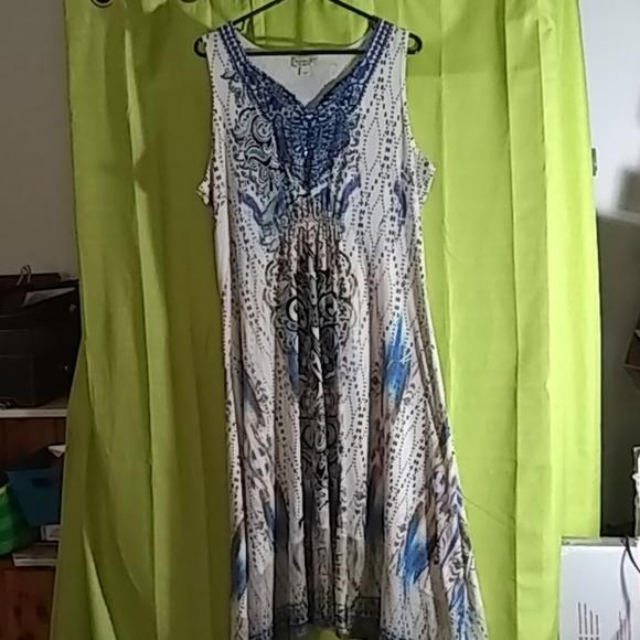 2X Plus size dress. Beautiful blue and tan. Maxi